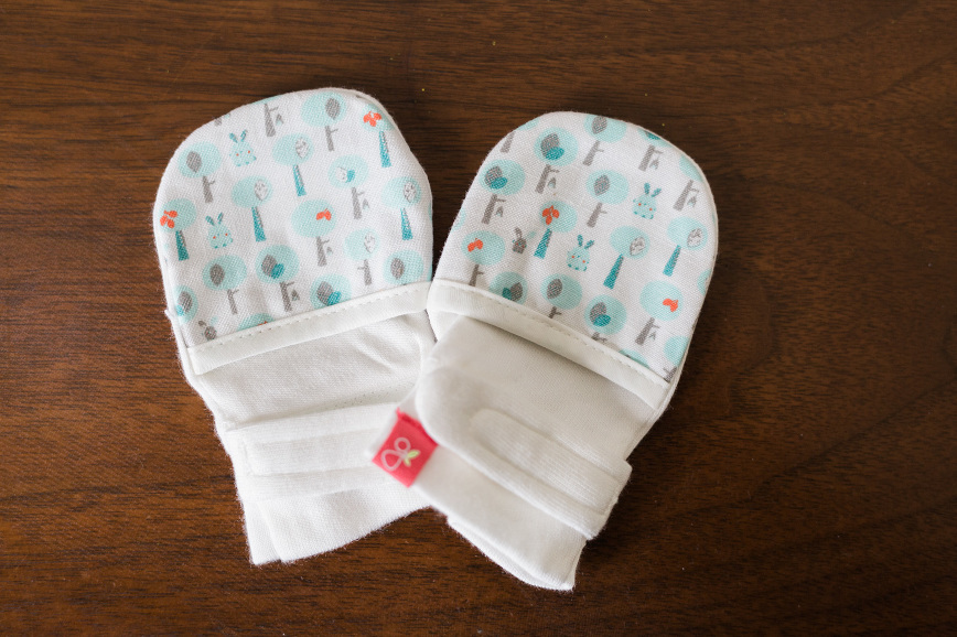 goumikids-baby-mitts-review-1